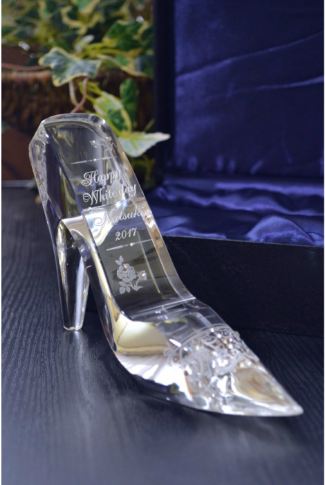 ガラスの靴 名入れ彫刻 スワロフスキーデコ仕上げ ホワイトデーにシンデレラのガラスの靴へ名入れ彫刻スワロフスキーデコ仕上げ 送料無料