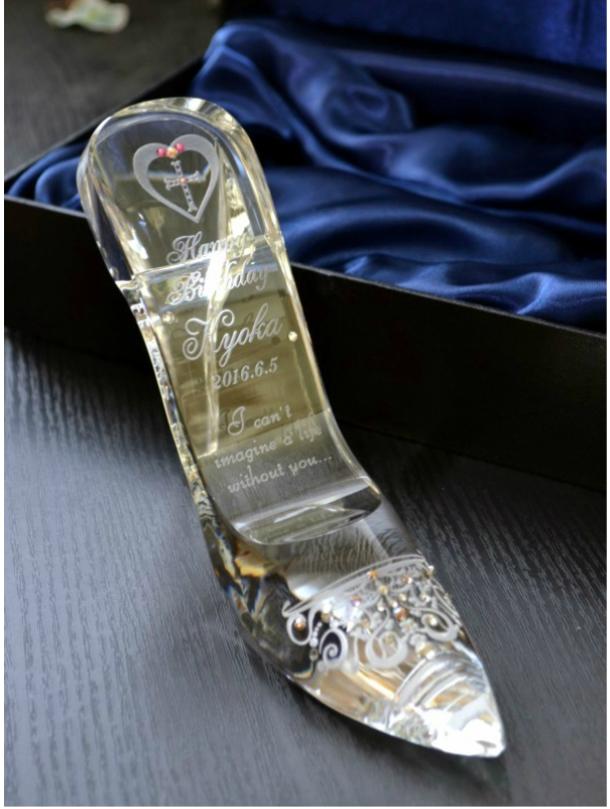 ガラスの靴 名入れ彫刻 スワロフスキーデコ仕上げ 誕生日プレゼントにシンデレラのガラスの靴へ名入れ彫刻スワロフスキーデコ仕上げ 送料無料