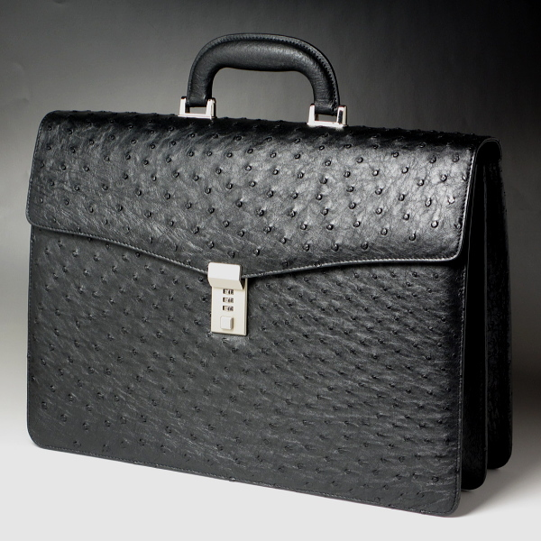 【抜き出る存在感】本革 オーストリッチ 高級ビジネスバッグ ブリーフケース ブラック(黒)