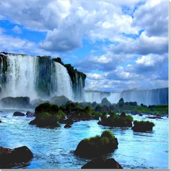 イグアスの滝14 写真パネル IGA-14-S8 インテリア ディスプレイ 模様替えなどに最適。 美しいタペストリー 風景ポスター を。新築祝い 引っ越し祝い出産祝い 結婚祝い プレゼントなどにも喜ばれます。