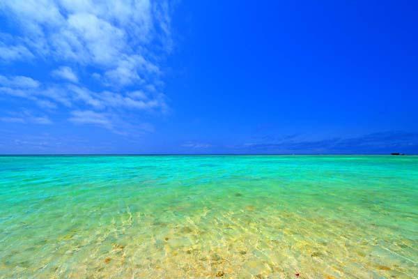 沖縄 波照間島の海 ニシ浜15 珊瑚礁の島 風景写真パネル 送料無料 アートパネル ウォールアート 壁掛け 壁飾り 模様替え 雰囲気作り インテリア 写真 風景 自然 ht-064-m30【楽ギフ 包装】