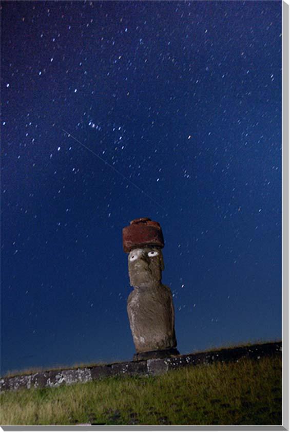 世界遺産イースター島 流れ星とモアイ 風景写真パネル 65.2×45.5cm M15  【楽ギフ_名入れ】