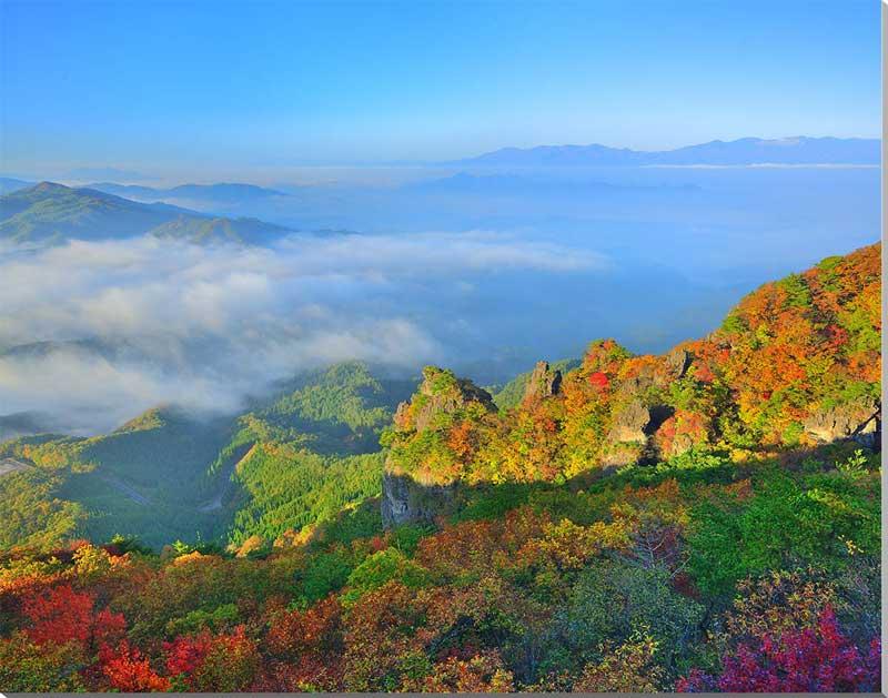 風景写真パネル 雲海と紅葉の霊山 福島 72.7×53cm fuk-435-p20 アート ポスター 風景,絵画 アート,絵画 壁掛け アート,タペストリー 壁掛け,インテリア アートパネルの壁飾り,お祝いギフトに