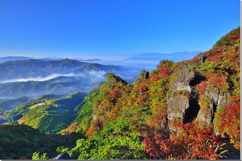 風景写真パネル 鮮やかな紅葉の霊山と雲海の吾妻安達太良 福島 インテリア アート パネル アート ポスター 風景,絵画 アート,絵画 壁掛け アート,壁飾り,ポスター インテリア, お祝い ギフトに