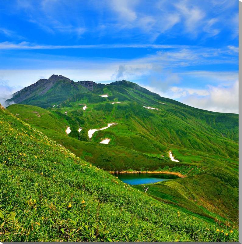 風景写真パネル 山形 鳥海山と鳥海湖 109×106.5cm yam-063 インテリア ポスターとは違う,リビング,玄関にそのまま飾れる額がいらない,壁掛け,壁飾り。絵画 アート,アートパネル,癒やしの装飾をお祝い,プレゼント,ギフトにも。
