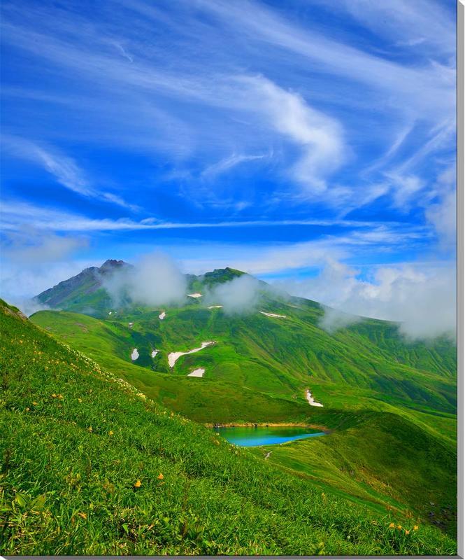 風景写真パネル 山形 鳥海山と鳥海湖 84×70cm yam-068 インテリア ポスターとは違う,リビング,玄関にそのまま飾れる額がいらない,壁掛け,壁飾り。絵画 アート,アートパネル,癒やしの装飾をお祝い,プレゼント,ギフトにも。