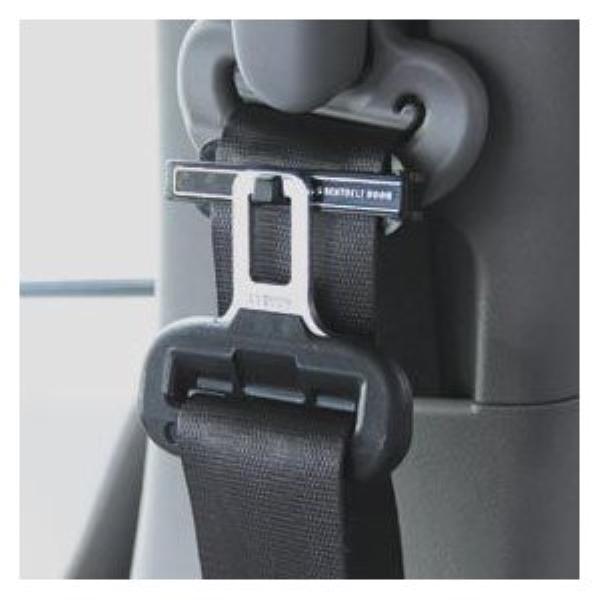 快適なカーライフ モバイルライフを スリムタイプ 定価の67%OFF 2個入り スマート 爆買い送料無料 フック付きシートベルトストッパー AK-119 カシムラ