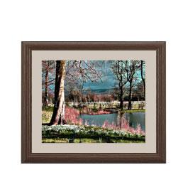 樹木と湖畔 アートフレーム:色ブラウン サイズS 321×271mm 【油絵 直筆仕上げ絵画】【軽量フレーム・額表面保護板】 油彩 風景画 オリジナルインテリア絵画 風水画 壁掛け