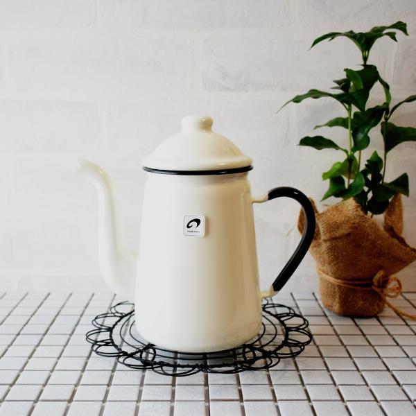 野田琺瑯 輸入 安売り ホーロー 日本製 業務用でも使われているコーヒーポット キリンコーヒーポット 11cm ホワイト 1L