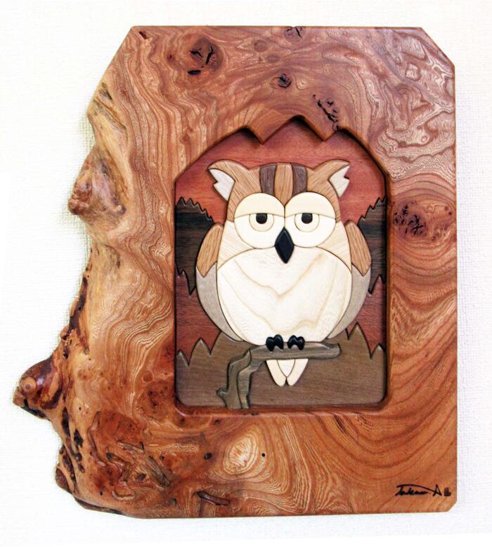 No.04パズル仕上げ「壁ドンブタ」 インテリア 壁掛け クラフト 信州 北アルプス ギフト 新築祝い 開店祝い 記念品 リビング 玄関 和風 アート 木の温もり 天然木 ウッドアート 木目 1点もの