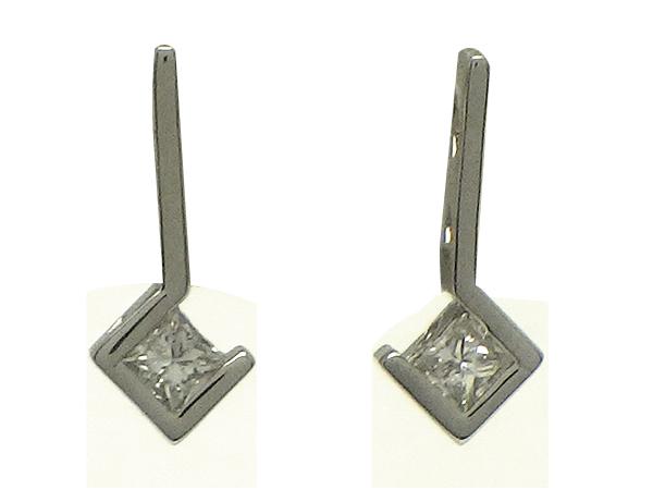 ピアスPt900(プラチナ)ダイヤモンド0.080/0.080ct【中古】仕上げ済み【質屋出品】