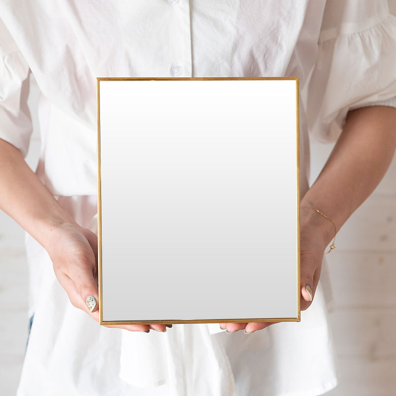 スタンドミラー スクエア型 Lサイズ 真鍮フレーム [66716]【 鏡 かがみ カガミ ミラー 卓上ミラー 卓上鏡 アンティーク調 長方形 スタンドタイプ 化粧鏡 おしゃれ メイクアップミラー  シンプル インテリア雑貨 アジアン 雑貨 アジアン雑貨 】