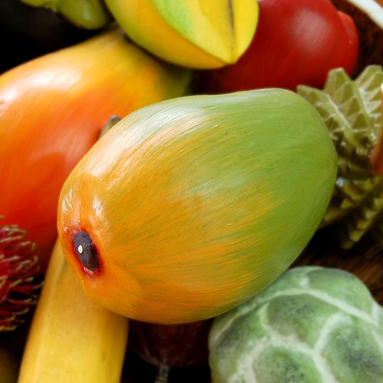 アウトレット 思わず食べたくなる本物そっくりの木製アジアンフルーツオブジェ 果物カゴに盛れば素敵なアジアンデコレーションに いつでも新鮮な果物を飾ることができるバリ島の人気アジアン雑貨 木彫りのアジアンフルーツ マンゴー 10529 本物そっくりバリ島のフルーツ 果物 果実 インテリア置物 かわいい アジアン置き物 雑貨 飾り フルーツオブジェ アジアン雑貨 木彫りのフルーツ バリ 送料無料限定セール中 木製オブジェ カラフル