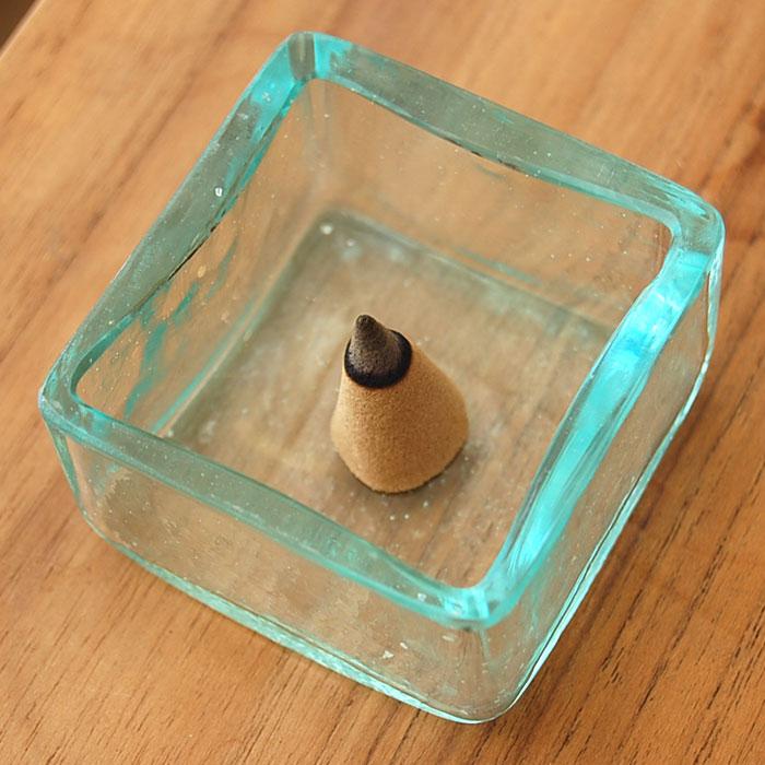 在庫一掃売り切りセール 人気アジアン雑貨 ガラスの小さな四角い アジアン ケース 卓越 66302 アジアンお香立て アジア雑貨 雑貨 新生活 アジアン雑貨