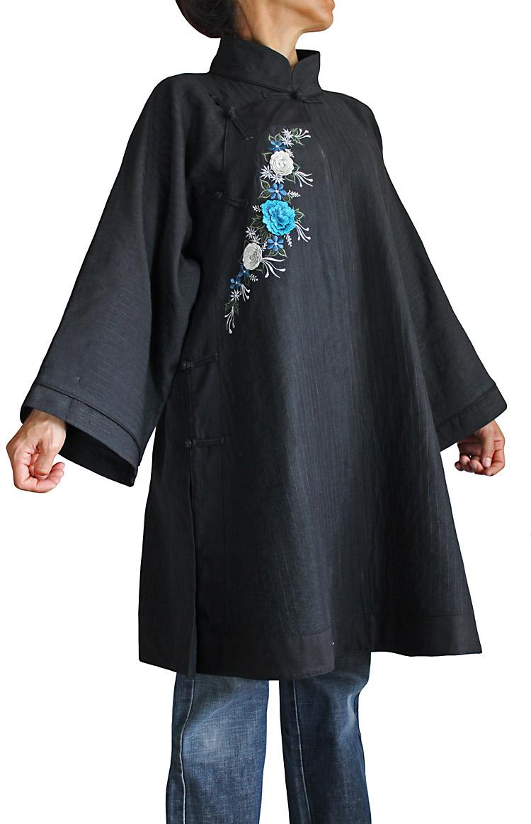 ビルマシルクチャイナチュニック花刺繍入り(黒地×ブルー刺繍)