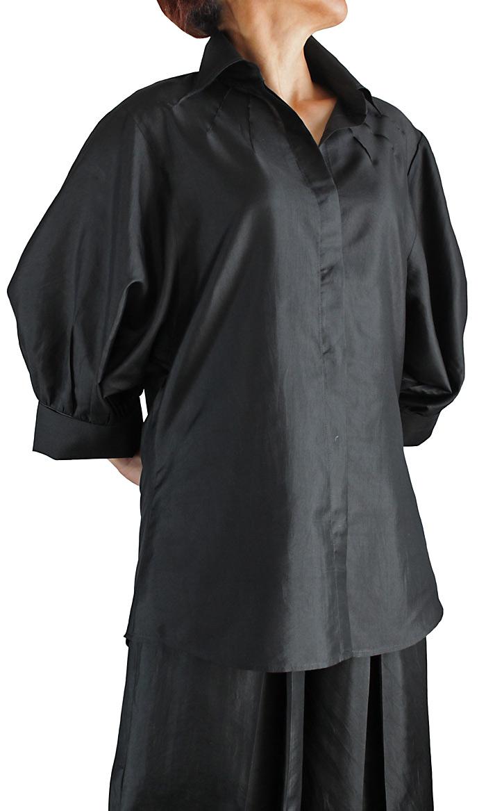柔らかタイシルクのデザインブラウス(ブラック)