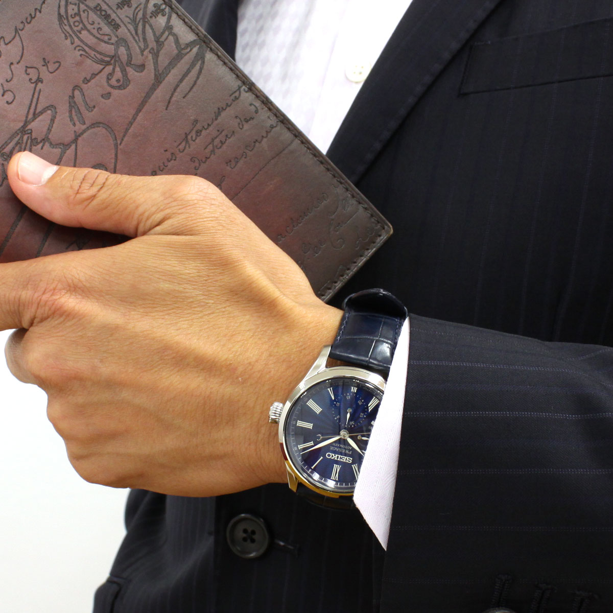 明日0時からはニールがお得♪ 最大2000円OFFクーポン付! 26日9時59分まで!【贈り物に喜ばれる桐箱プレゼント!】セイコー プレザージュ SEIKO PRESAGE 自動巻き メカニカル 七宝ダイヤル 流通限定 腕時計 プレステージライン SARW039