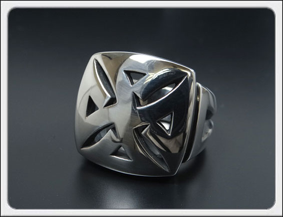 Shin's Sculpture(シンズ スカルプチャー)「Iron S Cross Ring(アイアン エス クロス リング)」SILVER 925 / 15号~23号【銀 メンズ レディース ペア アクセサリー ジュエリー 指輪 立体 手彫り ロゴ シルバー 925】R-26