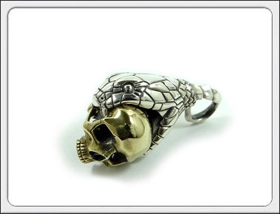 OWL'S(アウルズ)シルバー 925×ブラス 「スネーク&スカル ペンダント」SILVER 925、真鍮 【銀 メンズ レディース アクセサリー ジュエリー ハンドメイド 具象 動物 蛇 ヘビ 髑髏 骸骨 ネックレス トップ】SP-03 TYPE D sv×brass