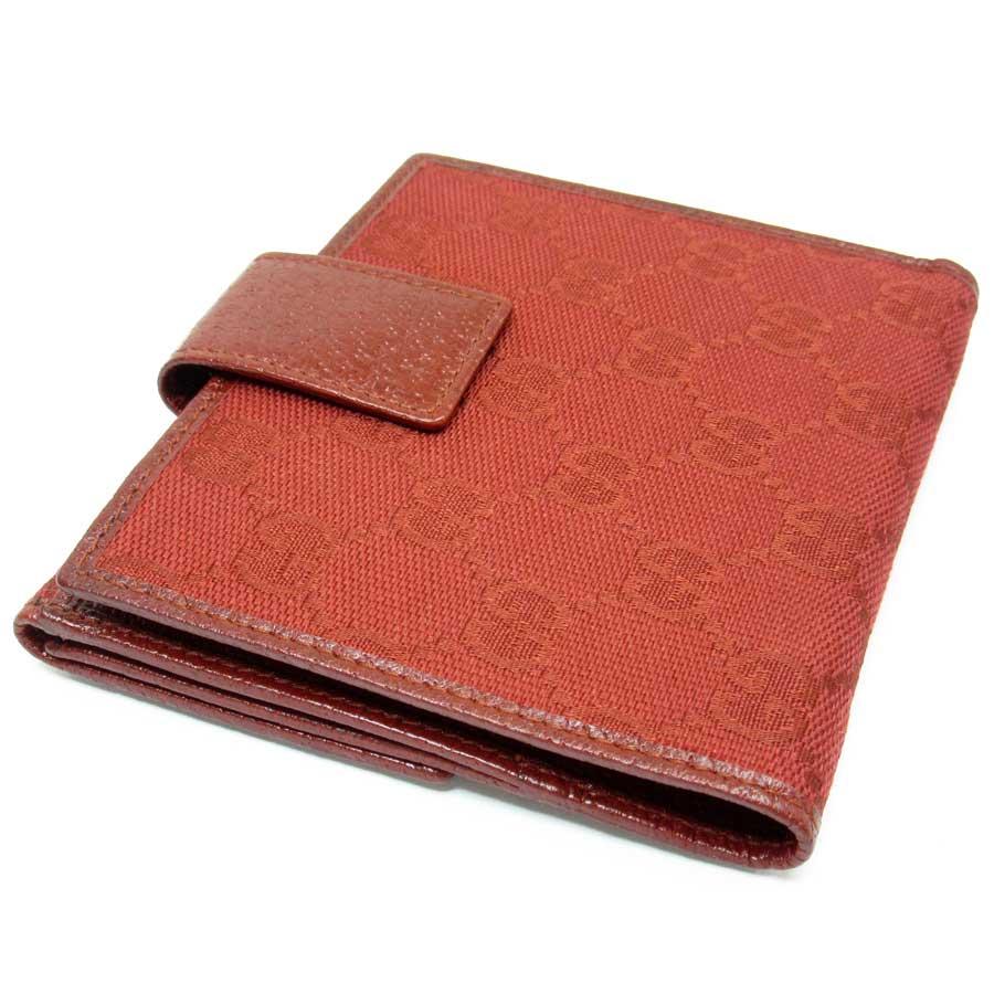b52eb35f452c グッチの二つ折り財布です。正面のロゴプレートと定番のGG柄がブランドアピール抜群♪♪コンパクトでとっても使いやすいデザイン☆カード入れも充実していておススメ  ...