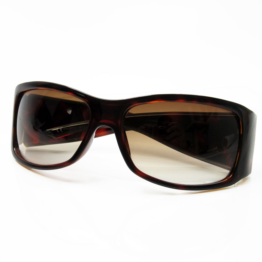 15599a8184 A Christian Dior  Christian Dior  sunglasses 61 □ 16 120 lady s lens  A brown  gradation frame  There is reason of Brown line of plastic  used