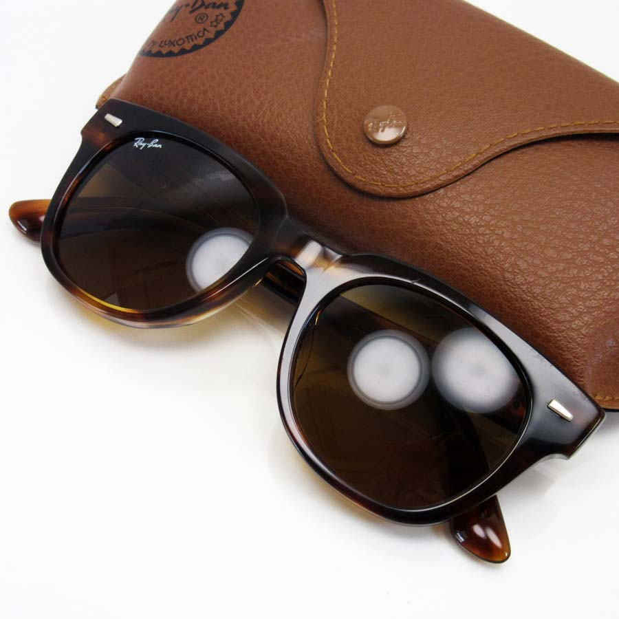 c57bdea3dc  there is reason  It is Ray-Ban  Ray-Ban  sunglasses Lady s men lens brown  frame   temple  used   Dark brown plastic