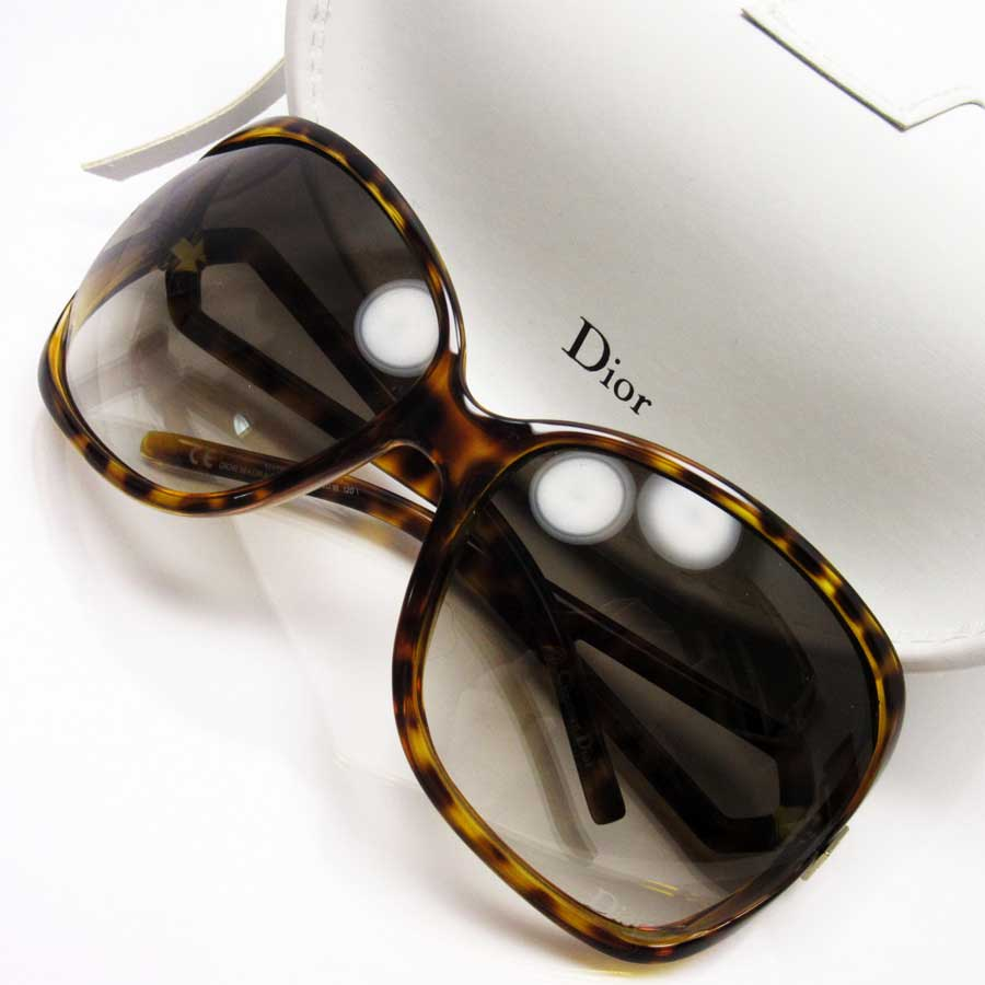 eb44440c05ff  basic popularity   used  a Christian Dior  Christian Dior  tortoiseshell  sunglasses 64 □ 16 120 lady s frame  Yellow   brown lens  Brown plastic
