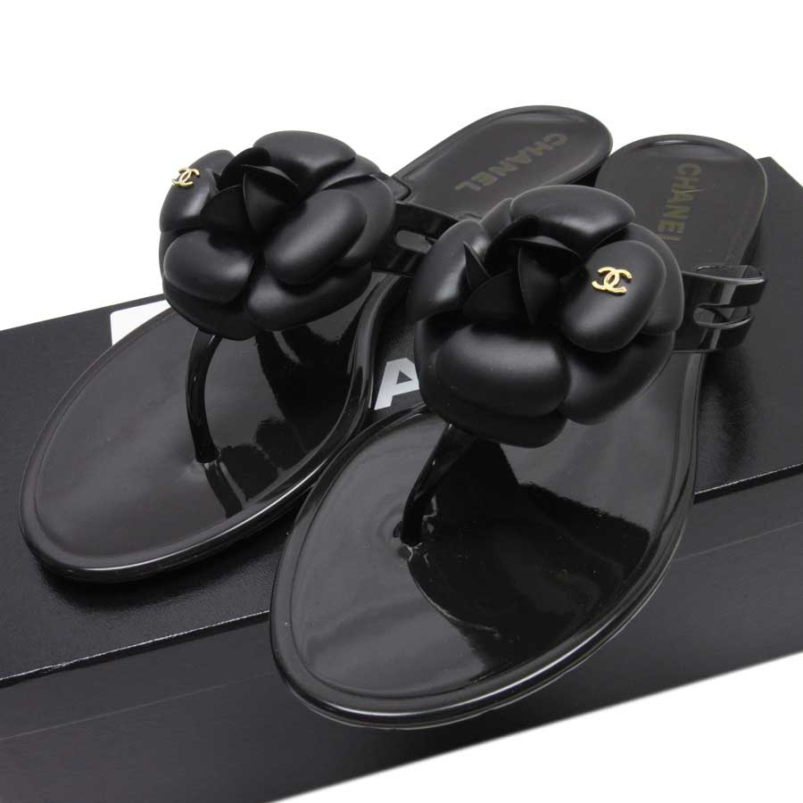 e7d34035e It is Chanel  CHANEL  camellia here mark sandals (38) Lady s black rubber   as well as a new article   used