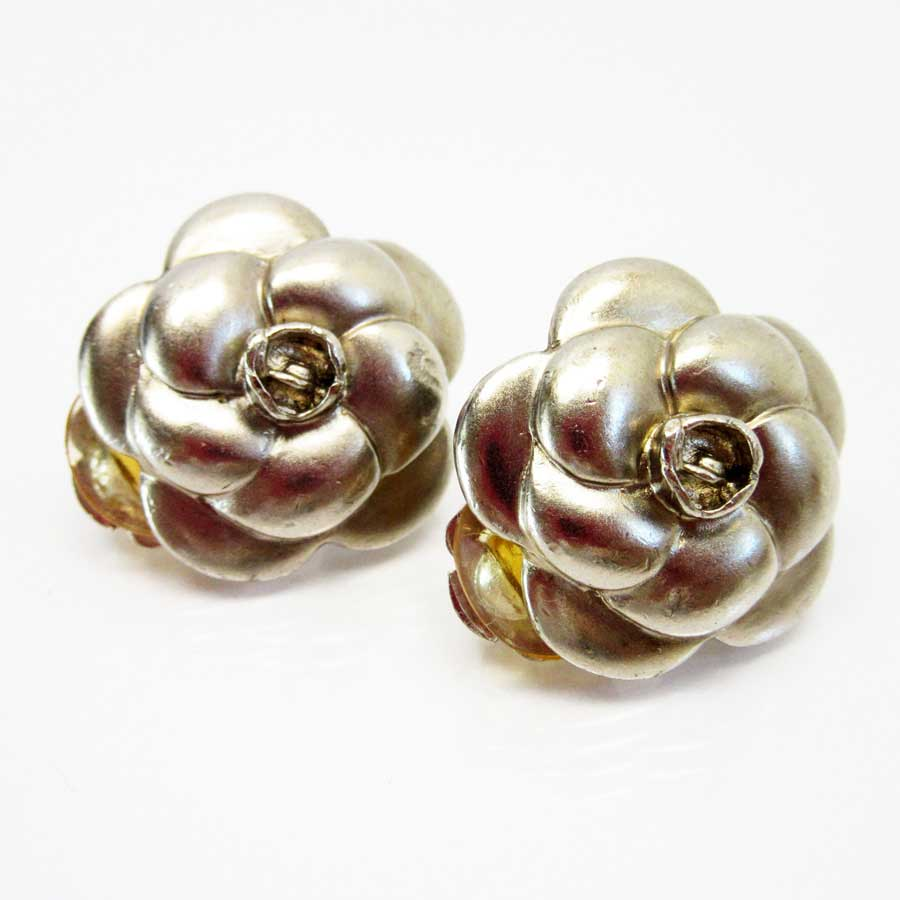 Basic Pority Used A Chanel Camellia Earrings Lady S Silver Metal Material