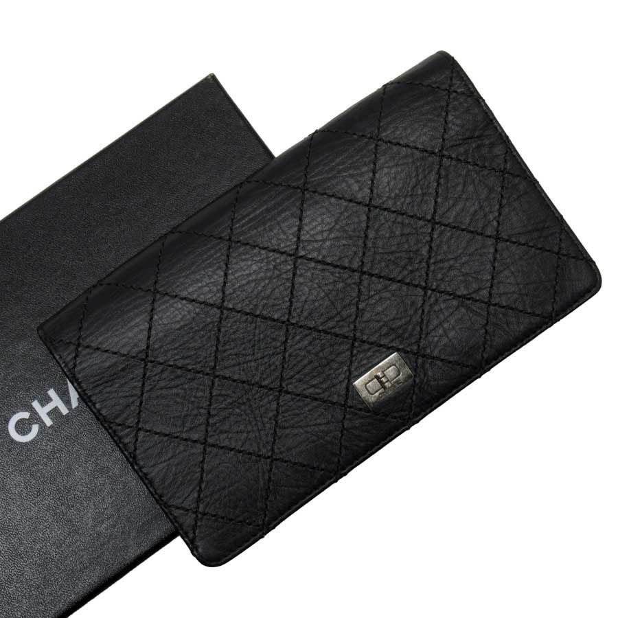 シャネル CHANEL 二つ折り長財布 ブラック 内側ブラウン レザー レディース メンズ 【中古】【定番人気】 - h22029