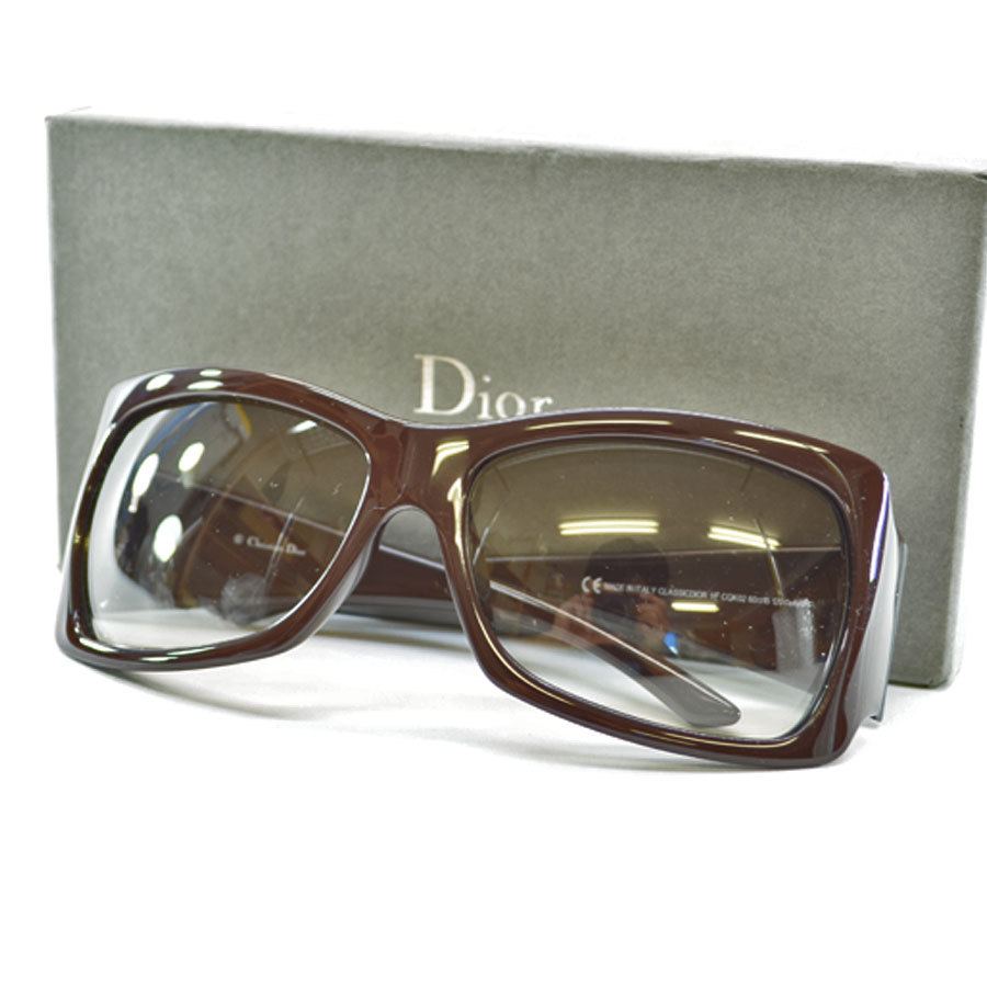 7cbd964d61 A Christian Dior  Christian Dior  sunglasses 60 □ 15 120 lady s lens  Brown  gradation frame   temple  Brown plastic  used  constant seller popularity