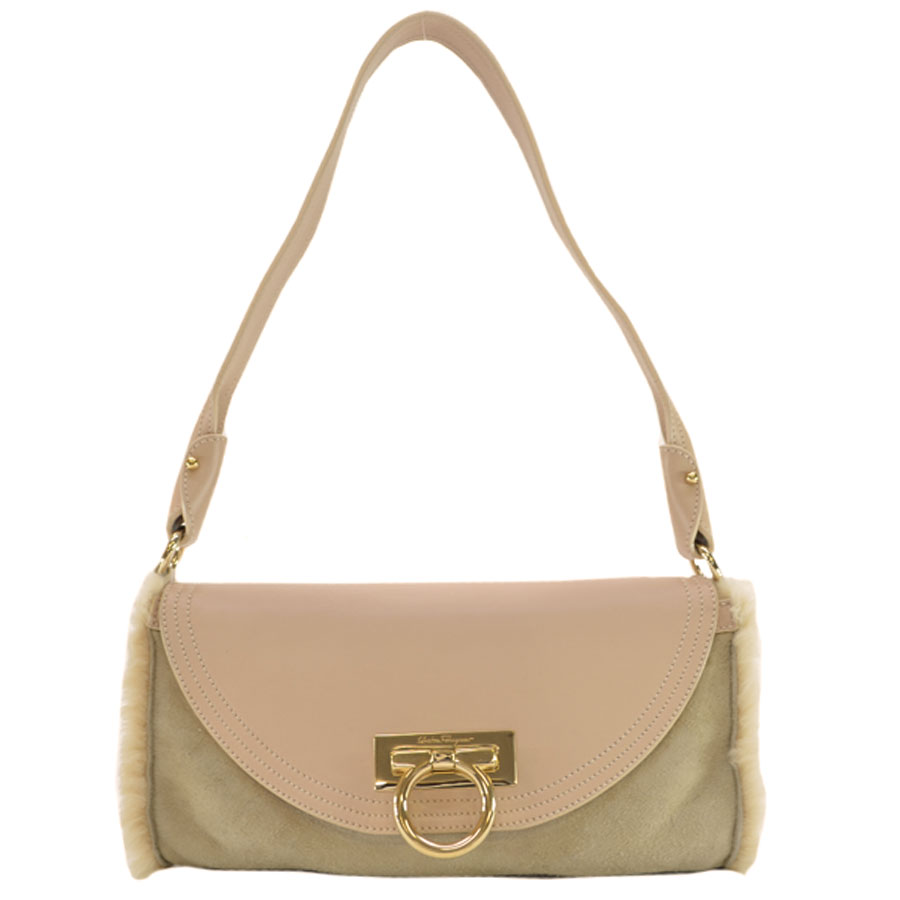 basic popularity   used  a Salvatore Ferragamo  Salvatore Ferragamo  shoulder  bag Lady s beige x pink beige x gold-collar suede x fur x leather x metal  ... aaf348cd572b9