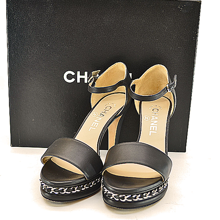 29e1ee73455  basic popularity   used  a Chanel  CHANEL  sandals (36C) shoes Lady s  black x silver leather x metal material