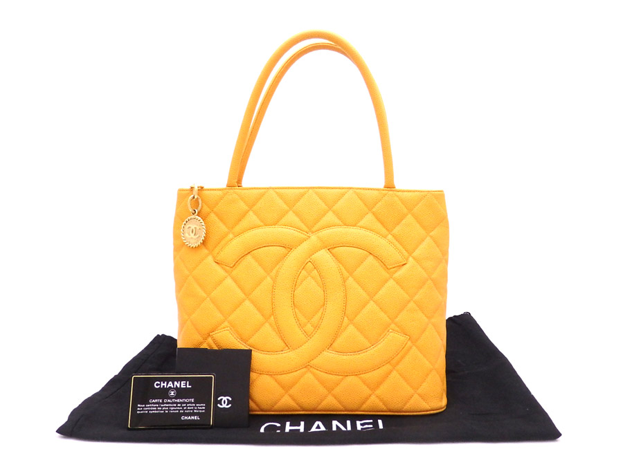 It Is Chanel Matelasse Reproduction Thoth Medallion Bag Tote Shoulder Lady S Yellow Caviar Skin Leather Soot Used
