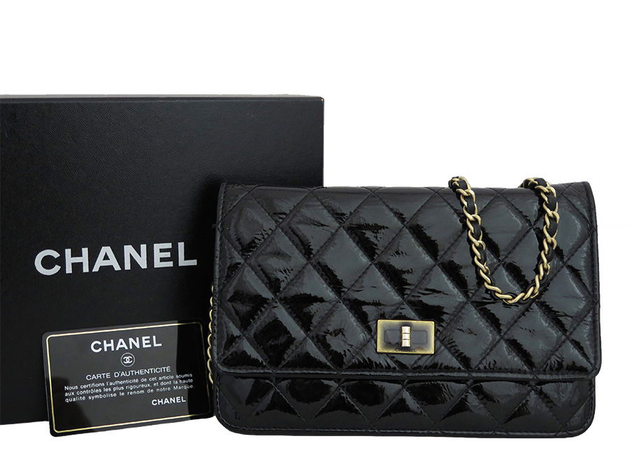 6f08cd1e99c2  basic popularity   used  Chanel  CHANEL  matelasse 2.55 wallet on chain  bag chain wallet shoulder bag Lady s black x gold metal fittings patent  leather