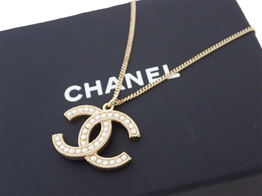 Brandvalue rakuten global market chanel chanel necklace here mark beautiful article it is chanel chanel here mark necklace logo necklace chain necklace ladys gold x white metal material x fake pearl used aloadofball Image collections