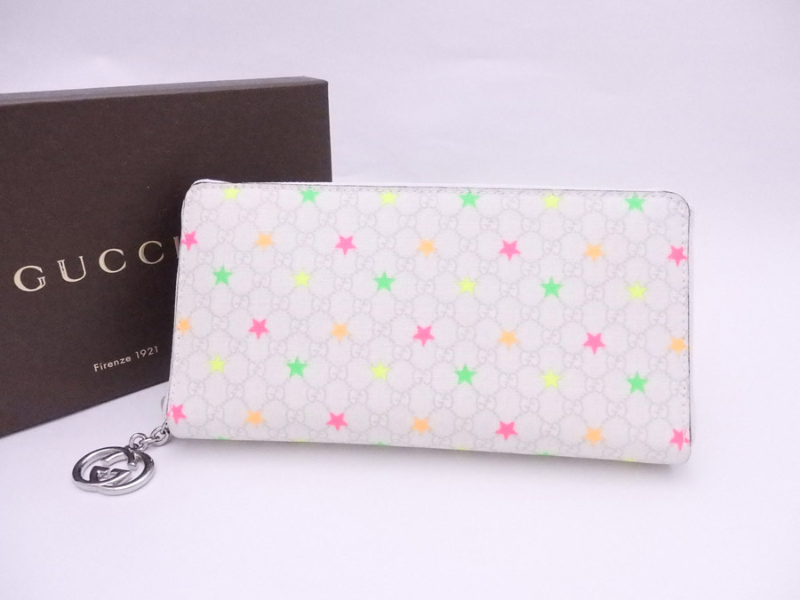 286eeb290d6 It is Gucci  Gucci  micro GG star motif wallet round fastener long wallet  ジッピーウォレットレディースホワイト x multicolored x silver metal fittings PVCx ...