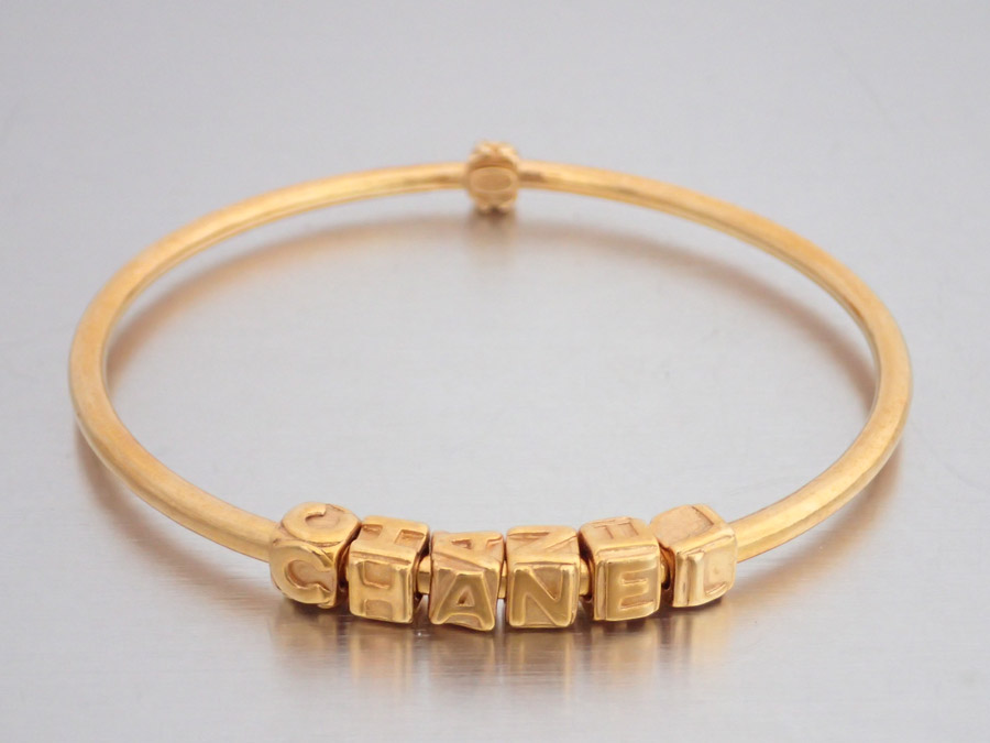 Chanel Bracelet Here Mark Logo Gold Metal Material Bangle Lady S E34971