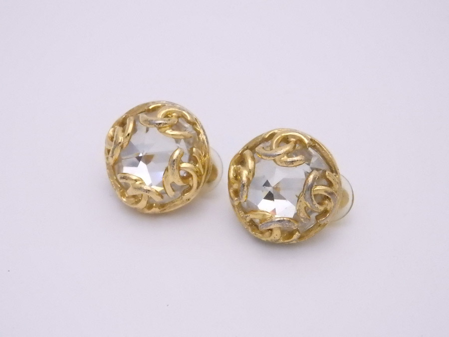 It Is Chanel Here Mark Vintage Earrings Logo Round Lady S Gold Metal Material X Rhinestone Soot Used