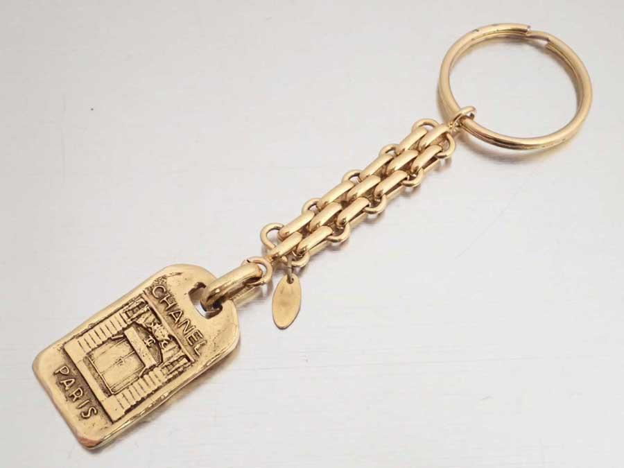 8c716250d6a4 【おすすめ】 【】シャネル【CHANEL】ロゴ キーリング キーホルダー バッグチャーム レディース ゴールド 金属素材