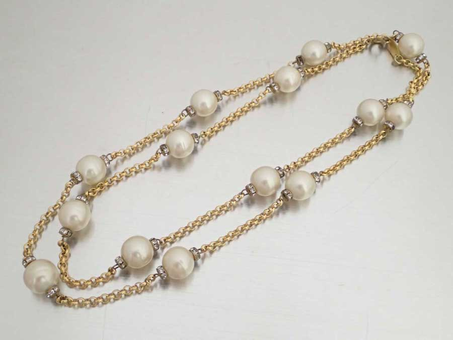 9f0344c08 BrandValue: Chanel CHANEL necklace gold x white metal material x fake pearl  x rhinestone chain necklace pearl necklace Lady's - e38221 | Rakuten Global  ...