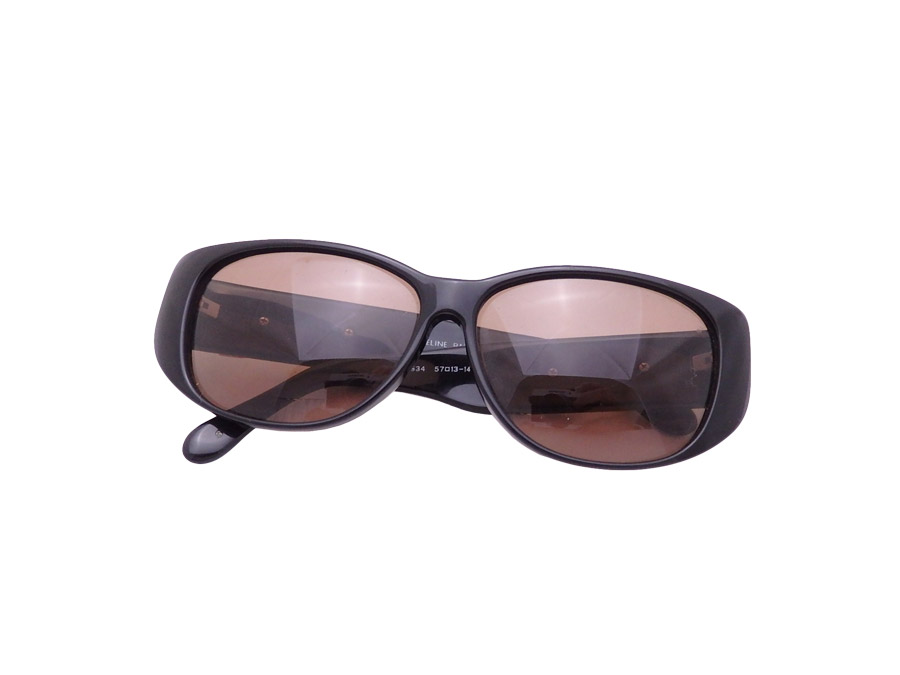 df66910bfe7 It is Celine  CELINE  logo sunglasses black x brown plastic x gold metal  fitting  soot   used