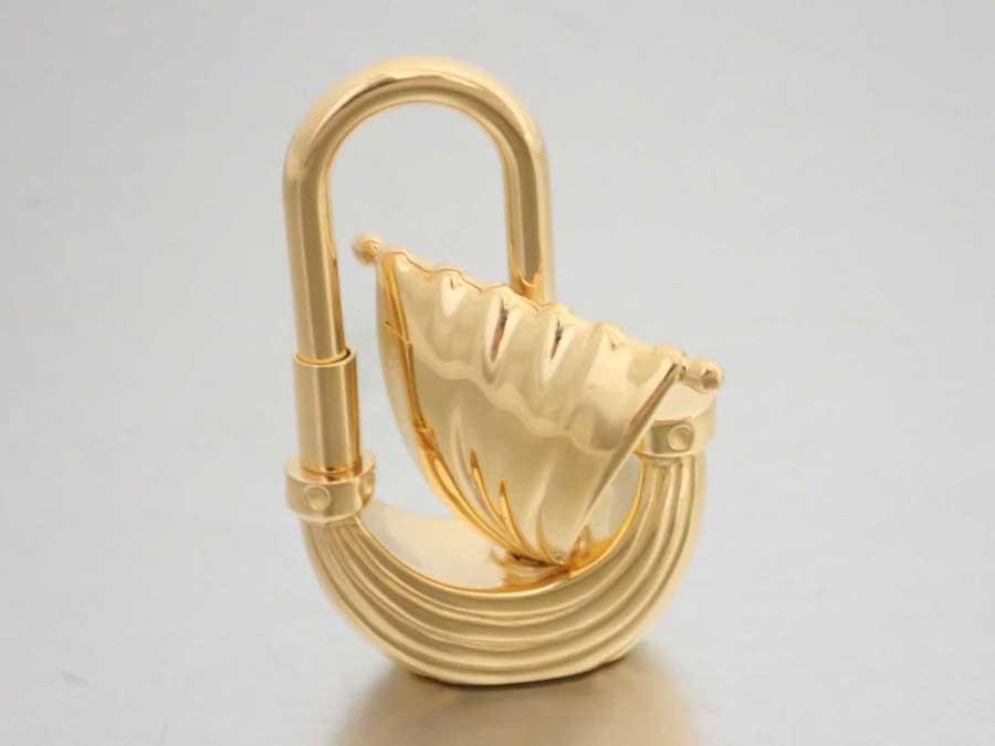 エルメス HERMES カデナ Sailboat Motif パリの風 2006年限定 帆船 ゴールド 金属素材 チャーム ペンダント レディース メンズ 【中古】【おすすめ】 - e42419