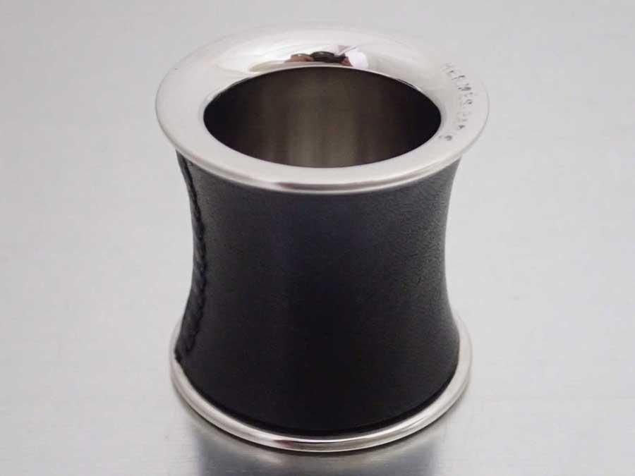 エルメス HERMES スカーフリング シルバーxブラック 金属素材xレザー 【中古】【おすすめ】 - e41203