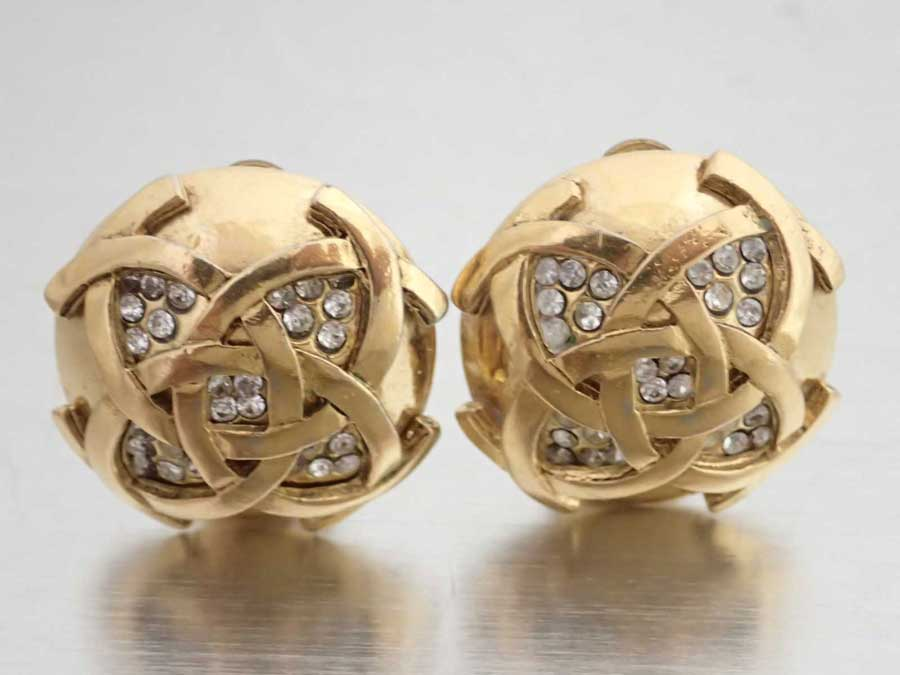 CHANEL シャネル イヤリング - ココマーク ゴールドイヤリング 金属素材xラインストーン ゴールドxシルバー e46330a 【中古】【おすすめ】 ラウンドイヤリング レディース