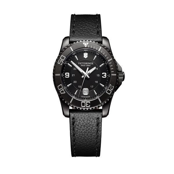 ビクトリノックス レディース 腕時計 アクセサリー Maverick Oval Stainless Steel Watch Black