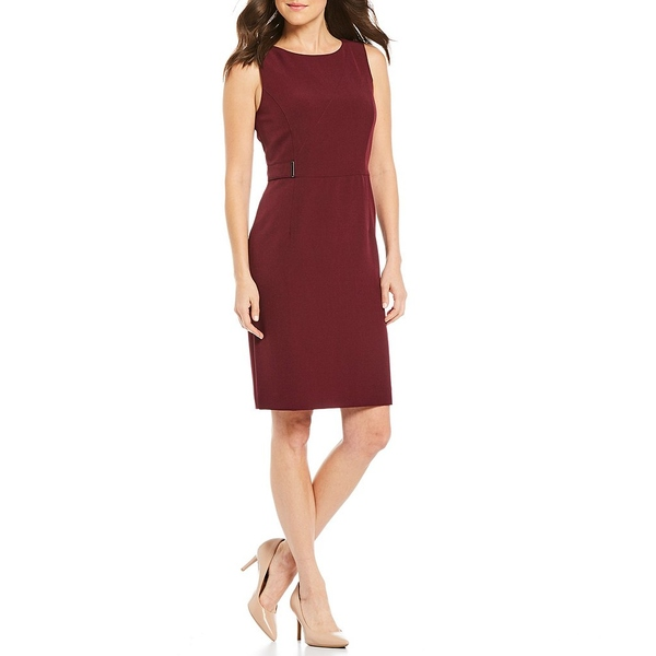 カスパー レディース ワンピース トップス Solid Stretch Crepe Sleeveless Sheath Dress Claret