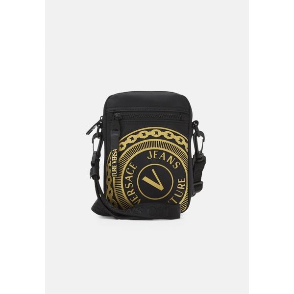 ベルサーチ メンズ バッグ ショルダーバッグ black gold 全商品無料サイズ交換 cvsb009f Across UNISEX bag body 予約 - 卸売り
