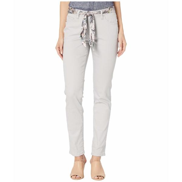 ジャグジーンズ レディース デニムパンツ ボトムス Carter Girlfriend Jeans with Satin Belt Raindrop