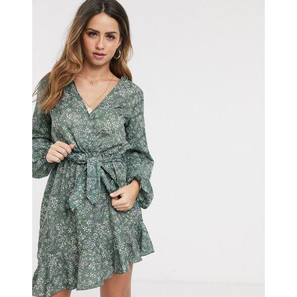 インザスタイル レディース ワンピース トップス In The Style x Billie Faiers exclusive wrap front frilly skater dress in green floral print Green